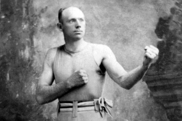 O lendário Bob Fitzsimmons, inventor da base invertida no boxe (Foto: Library of Congress)