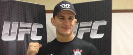 "Junior Cigano, sobre luta no Brasil: ""Stipe Miocic vai tremer as perninhas"""
