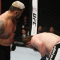 Mark Hunt nocauteia Roy Nelson com uppercut monstruoso na luta principal do UFC Fight Night 52