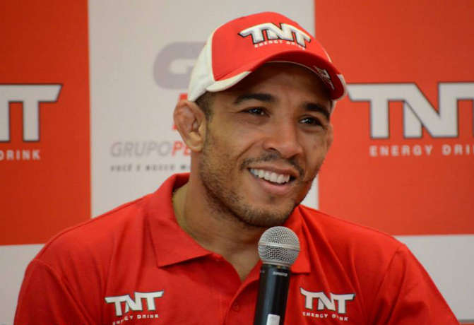 Podcast Episódio 110: José Aldo fora do UFC 189; análise do UFC Fight Night 70; novos uniformes do UFC