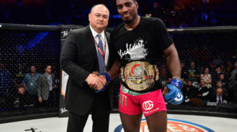 "Phil Davis justifica apelido de ""Mr. Wonderful"" e conquista o cinturão no Bellator 163"