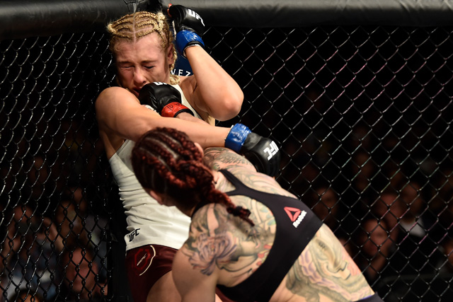 Cris Cyborg desmantelou Yana Kunitskaya na luta principal do UFC 222 (Foto: Jeff Bottari/Zuffa LLC via Getty Images)