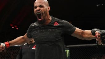 David Branch nocauteia rapidamente Thiago Marreta no UFC Fight Night 128