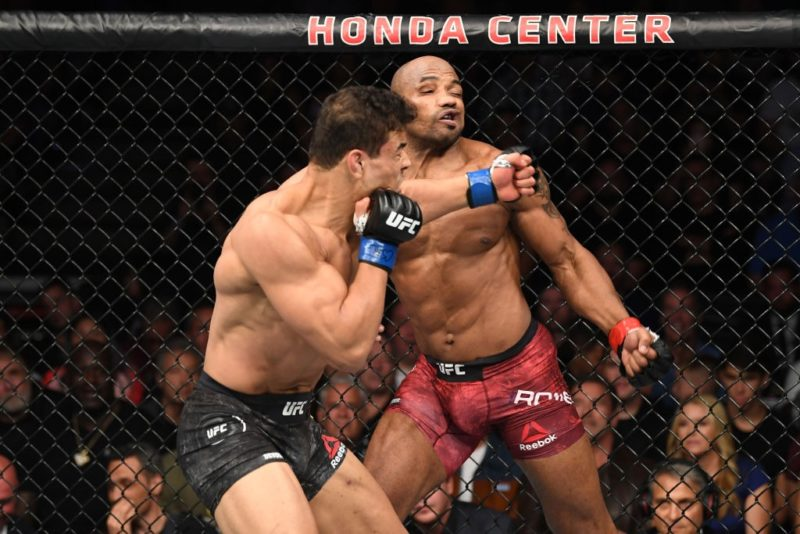 Paulo Borrachinha venceu Yoel Romero no UFC 241